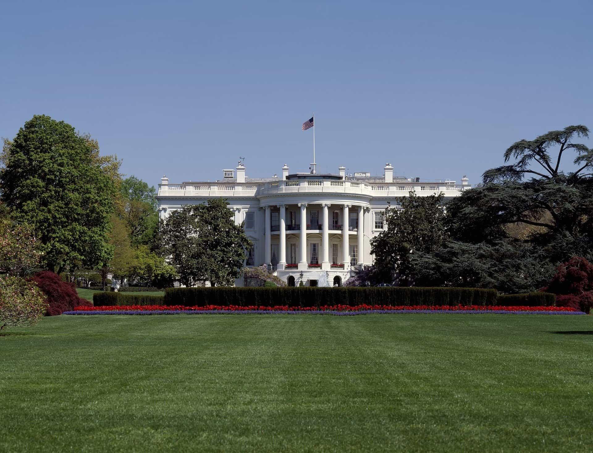 white-house-1022633_1920